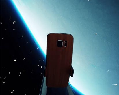 Galaxy S6 Survives Drop Test from Space